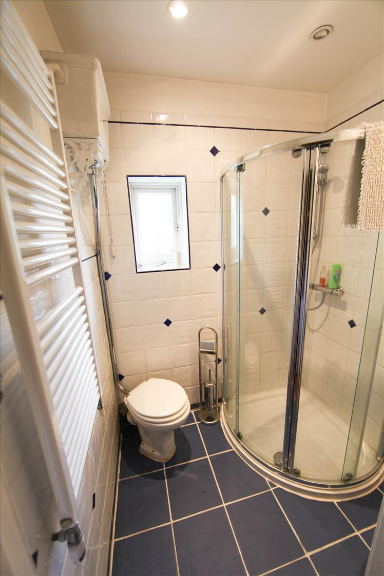 Beautiful bathrooms pile on the pounds - Retiremove