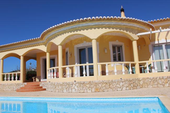 Algarve versus Costa del Sol