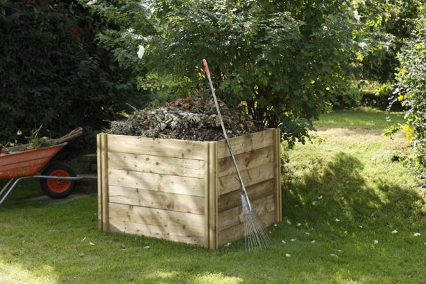 The easy way to turn garden waste into compost.