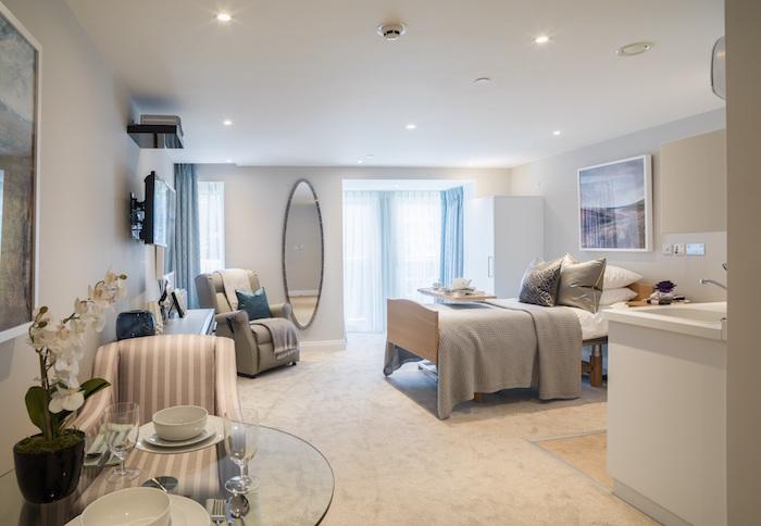 16-11-lifecare-residences-albert-suites-bedroom-suite-2