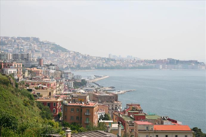 See Naples and live