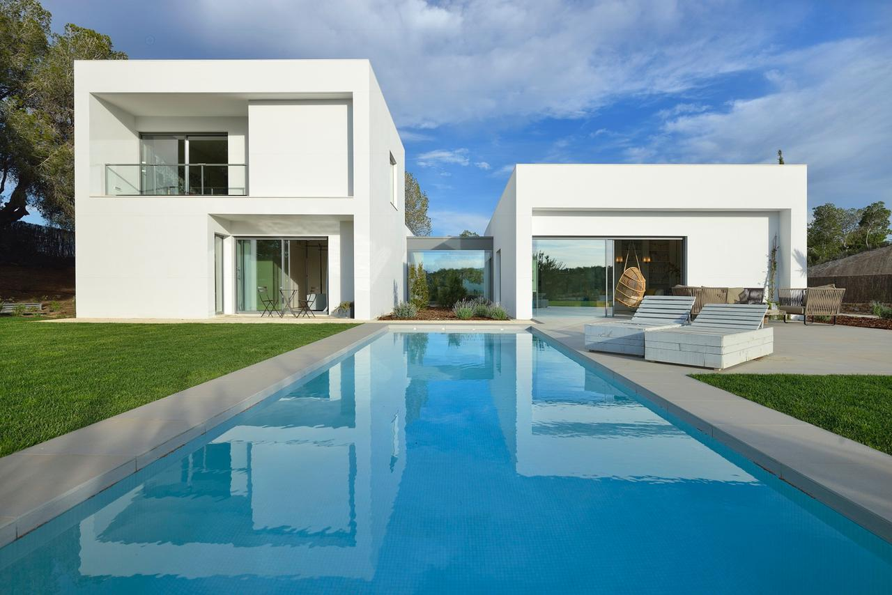 Buy a dream home on Spain's top golf resort