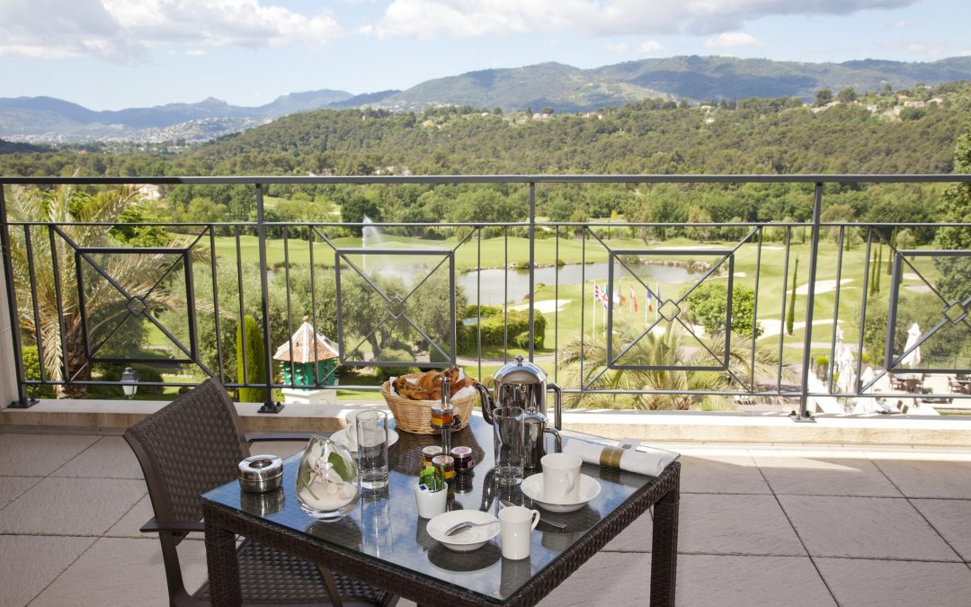 Invest in a home on a golf resort on the French riviera